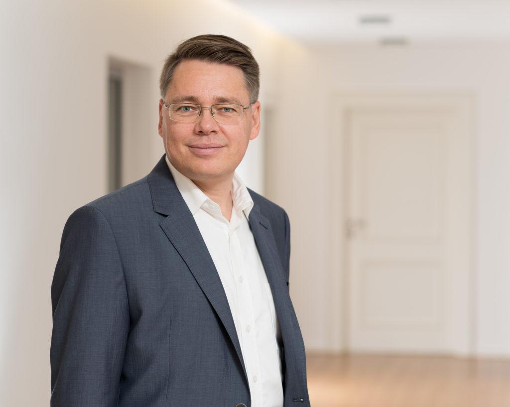 Klaus Hella